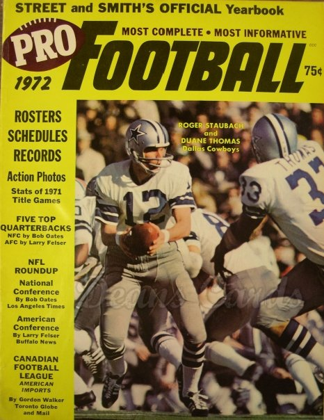 1972 Street & Smith's Pro Football   -  Roger Staubach