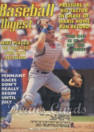 1996 Baseball Digest   -  Mike Piazza  July