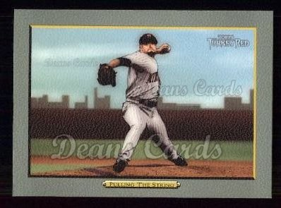 2005 Topps Turkey Red #52   -  Johan Santana Pulling String