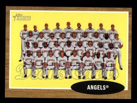 2011 Topps Heritage #132   Angels Team