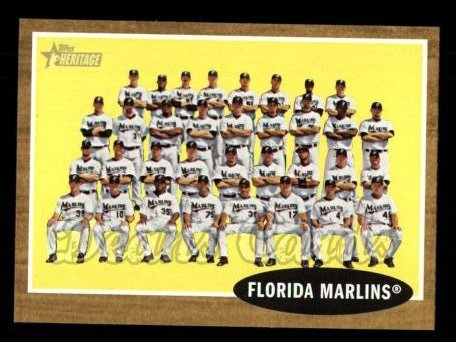 2011 Topps Heritage #192   Marlins Team