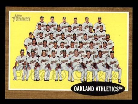 2011 Topps Heritage #384   Athletics Team