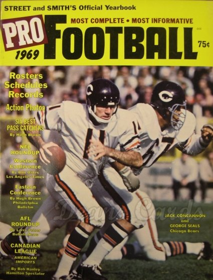 1969 Street & Smith's Pro Football   -  Jack Concannon / George Seals