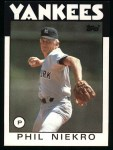 1986 Topps #790  Phil Niekro  Front Thumbnail