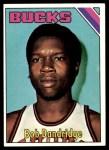 1975 Topps #17  Bob Dandridge  Front Thumbnail