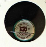1965 Guys Potato Chip Pin #20   Yankee Fan Back Thumbnail