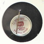 1964 Guys Potato Chip Pin #12   Milwaukee Braves Back Thumbnail