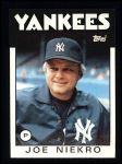 1986 Topps #135  Joe Niekro  Front Thumbnail